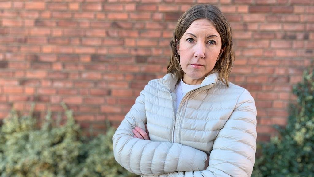 Porträttfoto av Leona Larsson, föreståndare på Kvinnohuset Tranan.