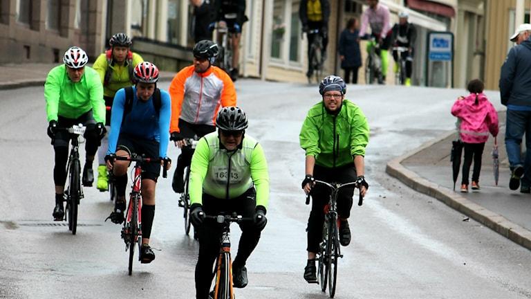 Cyklister på Vätternrundan i Hjo