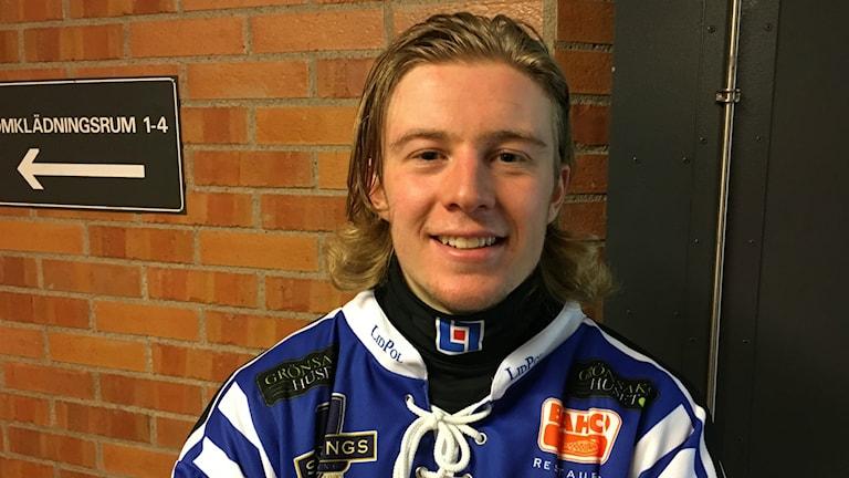 Axel Ekholm gjorde sina första Elitseriemål för Villa under fredagskvällen.
