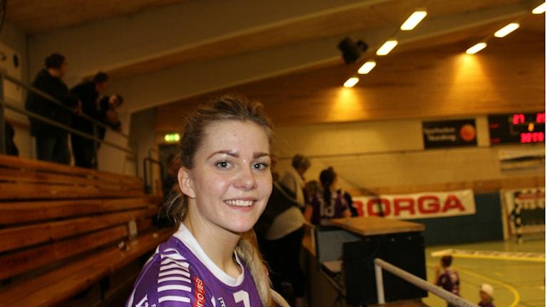 En glad Maria Sundin i Skara HF. Foto Tommy Järlström P4 Sveriges Radio.