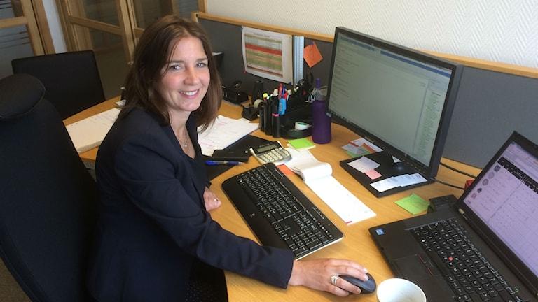 Mia Orlov arbetar som sortimentassistent på ett hem- och inredningsföretag i Tibro.