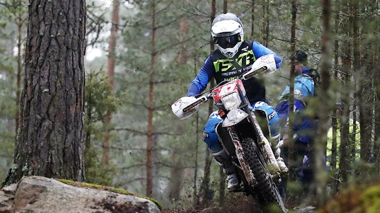 Albin Elowson fick ett tråkigt och tidigt slut på årets Novemberkåsa.