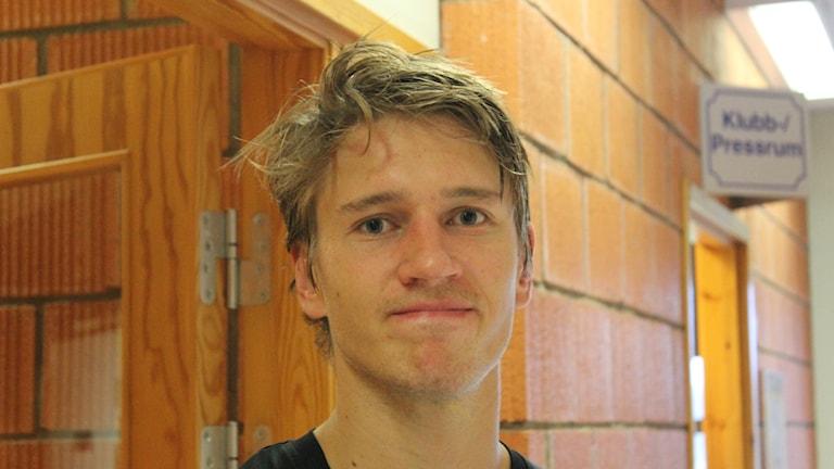Henrik Thegel avgjorde för sitt Skövde IK. Foto Tommy Järlström P4 Sveriges Radio.