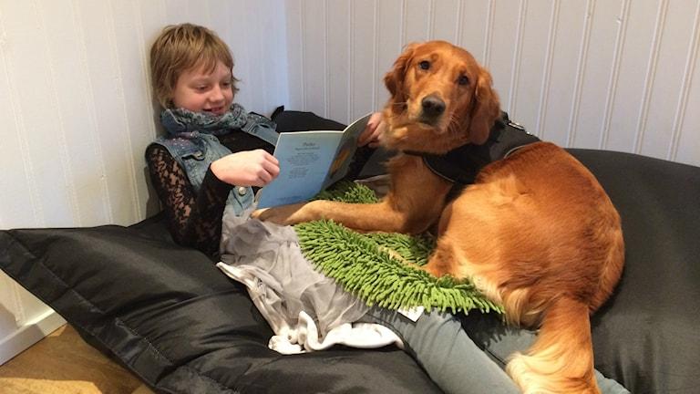 läsning Freya hund
