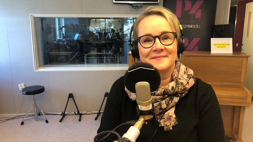 Maria Stenberg i P4-studion