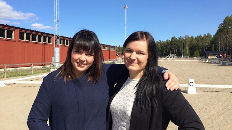 Camilla Holmgren och Isabella Björkman. Foto: Ann-Christine Wallner-Hoppe/Sveriges Radio