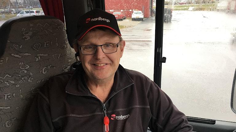 Lars Sjölund, busschauför