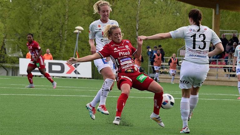 Det var tufft spel under matchen mot Kvarnsveden.