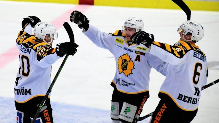 Skellefteå jublar efter mål av Joakim Lindström