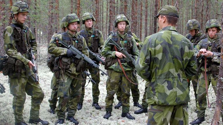 Värnpliktsutbildning F21 (2009). Foto: Sveriges Radio