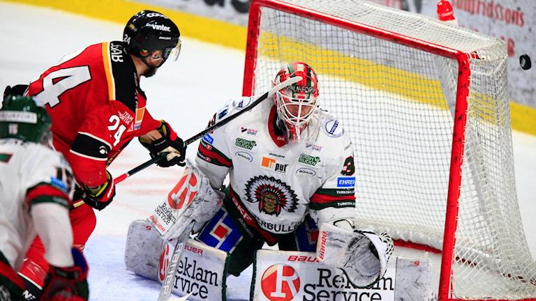Luleå hockeys Johan Harju missar en målchans under SM-slutspelet mot Frölunda.