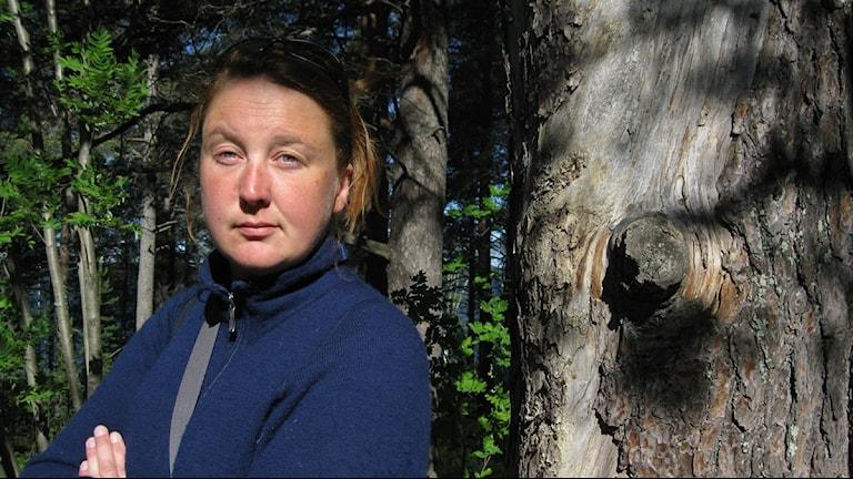 Linda Johansson jobbar med åtgärdsprogram för hotade arter på Länsstyrelsen i Norrbotten.
