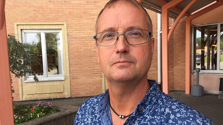 Tomas Egmark (S), kommunalråd i Älvsbyn, hoppas att ett äldreboende ska kunna stå klart om två år.