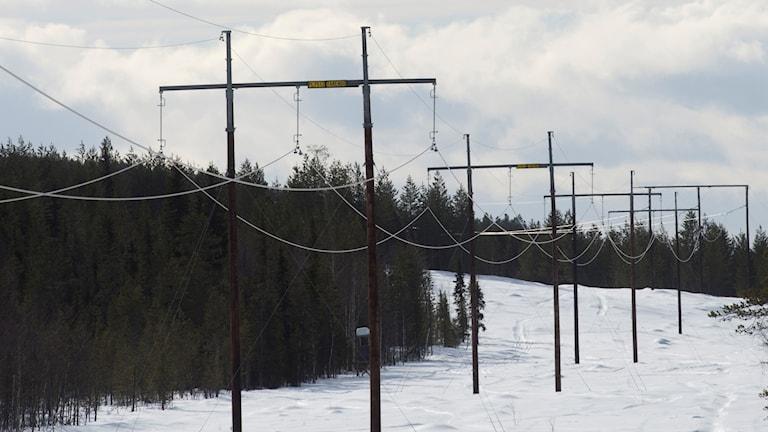 Luftburna elledningar utanför Pajala i Norrbotten.