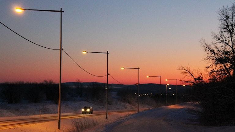 Kiruna den 12 december. Solen når inte över horisonten från och med idag och tre veckor framöver. Foto: Alexander Linder/ Sveriges Radio.