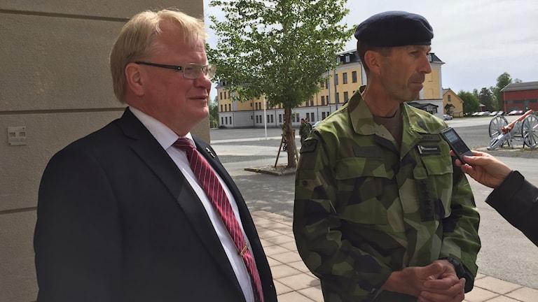 Försvarsminister Peter Hultqvist och ÖB Micael Bydén.