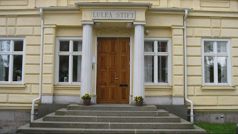 Stiftskansliet och domkapitlet i Luleå stift. Foto: Carin Sjöblom/ Sveriges Radio.
