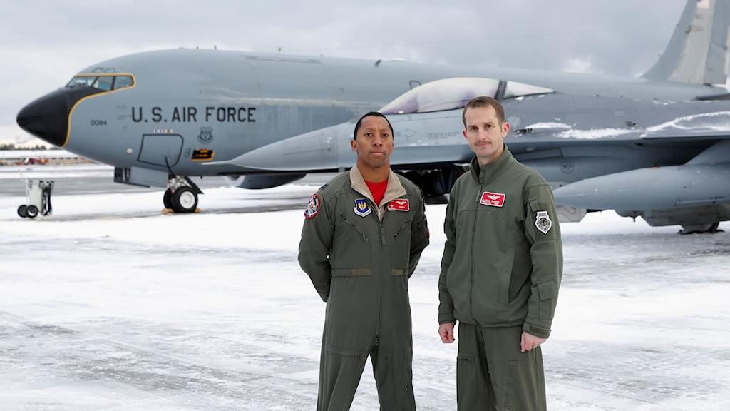 Michael Craig och Michael Richard flyger de F 16-plan som har Luleå som bas under Natoövningen.