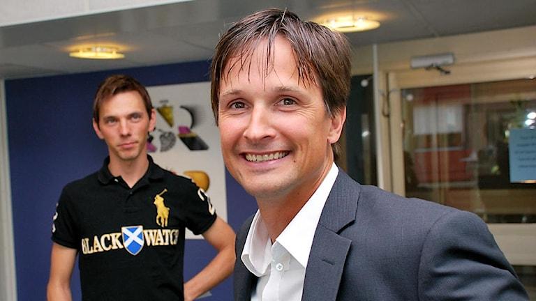 Niklas Jonsson, till vänster P4 Norrbottens David Zimmer. Foto: Stig-Arne Nodström/Sveriges Radio.