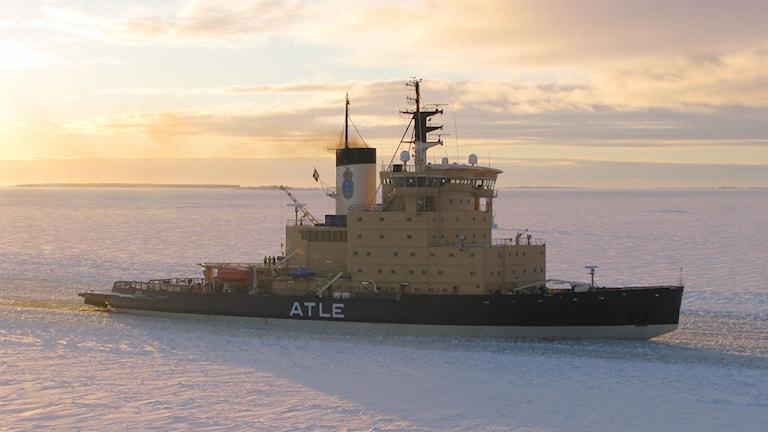 Isbrytaren Atle, utanför Luleå