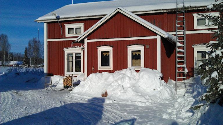 Mjölbonden Erik Ömans hus på Hindersön. Foto: Roger Kvarnström/Sveriges Radio.