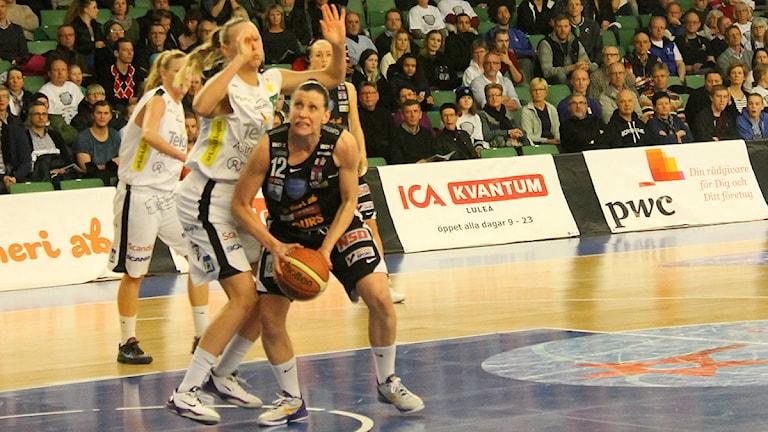 Northalnd Baskets Anna Barthold mot Telge Basket, 2013-03-03, Foto: Sara Andersson / Sveriges Radio