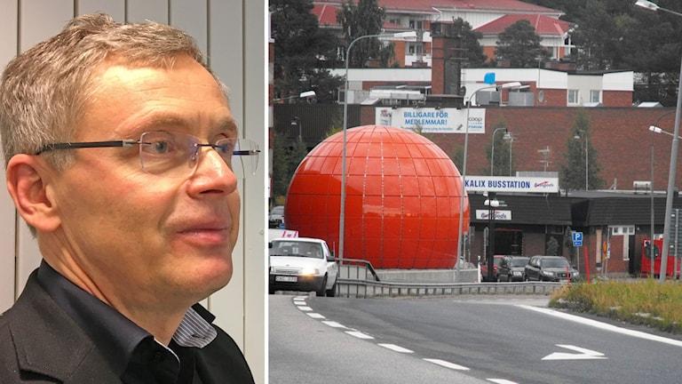 Tommy Nilsson (S), kommunalråd i Kalix och Kalix centrum med den stora bandybollen/romkornet vid infarten vid E4.