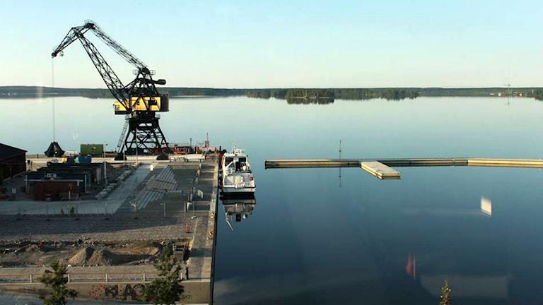 Vy över södra hamn, fredag kl. 05.20. Foto: Anton Åström/Sveriges Radio.