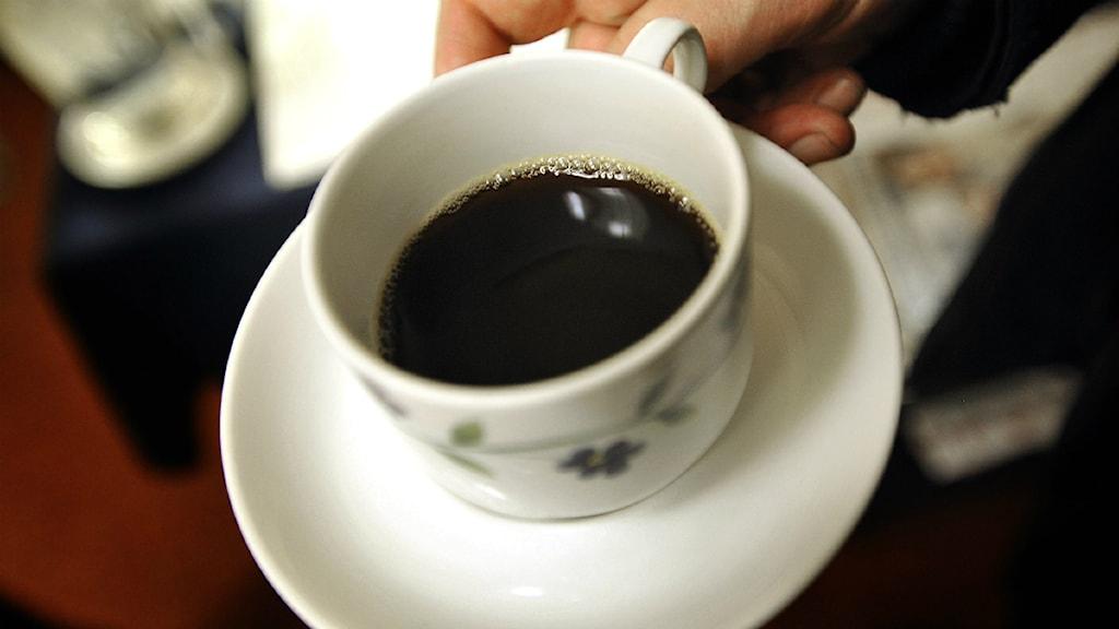 Kaffe serveras. Foto: Scanpix.