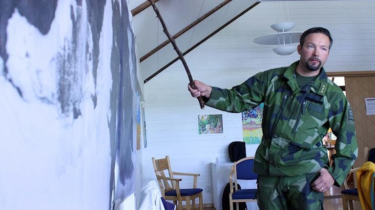 Carl-Johan Olofsson i jägarbataljonen. Foto: Alexander Linder/ Sveriges Radio.