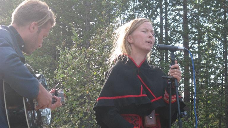 Artisten Sofia Jannok. Foto: David Zimmer/ Sveriges Radio.