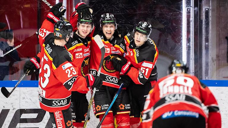 Luleå Hockey vinner mötet med 4-3 mot Malmö Redhawks.