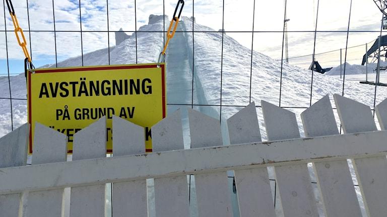 Snöborgen i Luleå vandaliserad och stängd för säsongen.