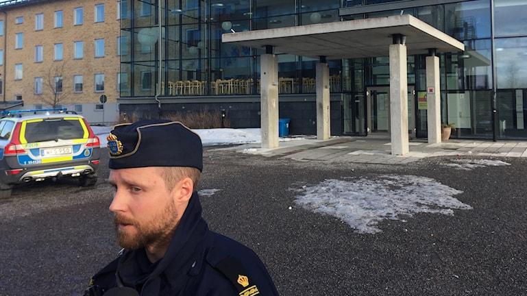 Anders Englund, insatschef vid hot om skjutning mot gymnasiebyn i Luleå.