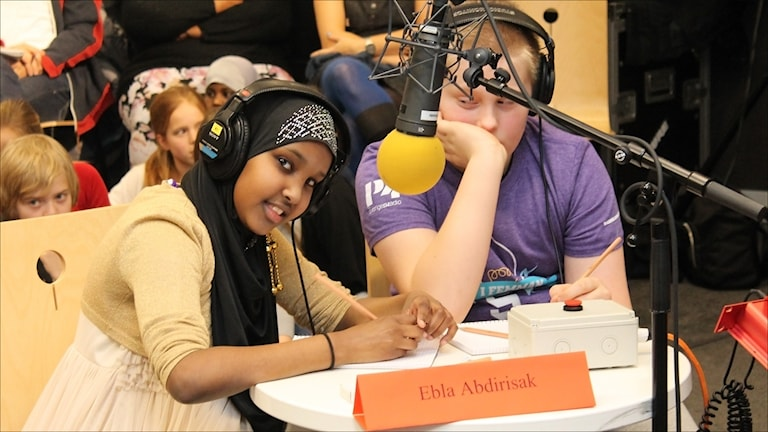 Ebla Abdirisak och Hugo Jonsson.  Foto Stig-Arne Nordström/Sveriges Radio.