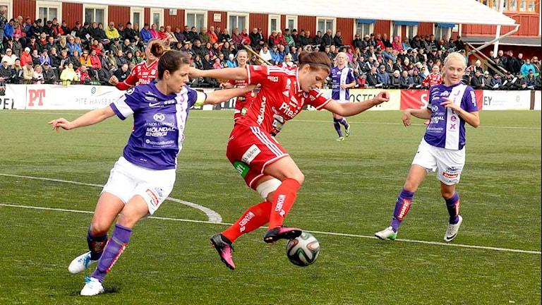 Piteå IF:s Hanna Pettersson mot Jitex. Foto: Alf Lindbergh/Pressbilder.