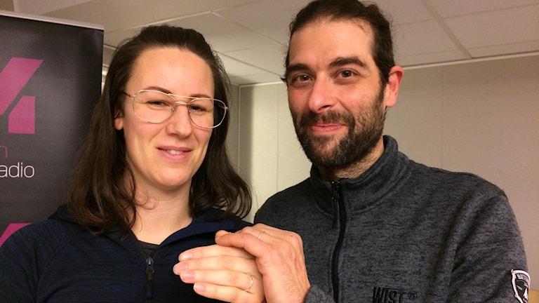 Emma Pettersson och Roberto Carlos Ruiz Ibanez ska gifta sig på nyårsafton