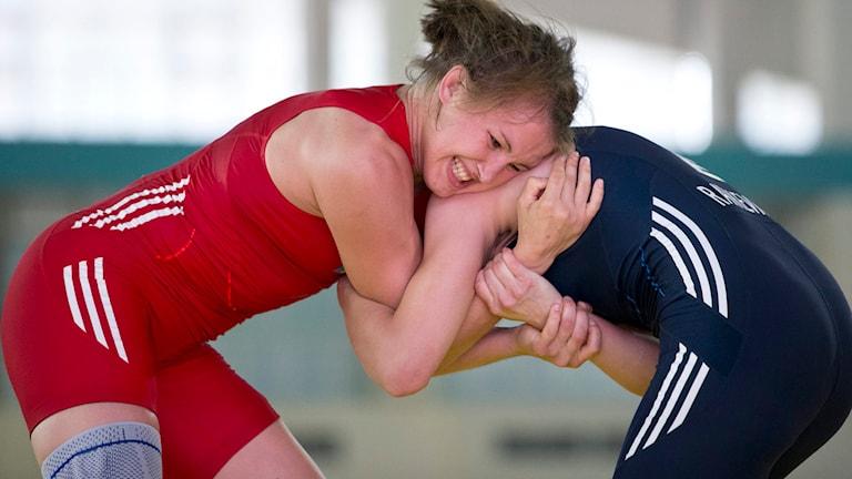 Johanna Mattsson mot Juliana Ratkevitj i brottnings-VM 2014. Foto: Björn Larsson Rosvall/TT.