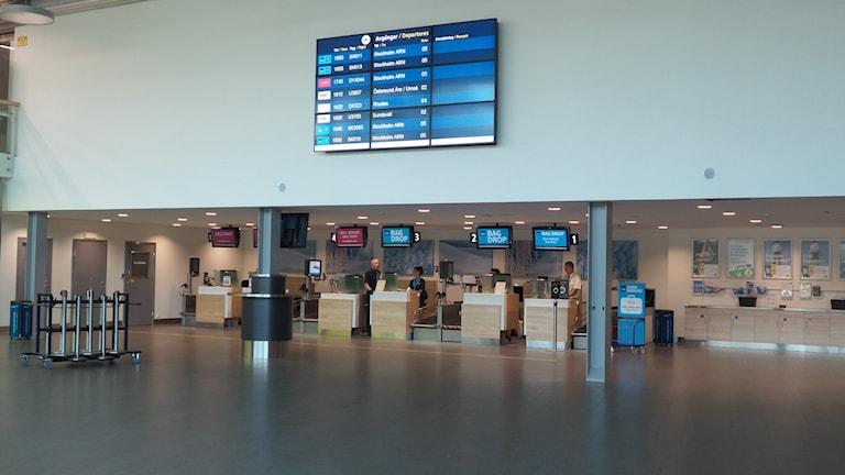 Avgångshallen och incheckningsdiskarna på Luleå airport. Foto: Carin Sjöblom/ Sveriges Radio.