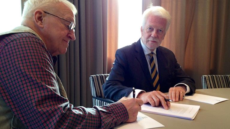 Clive Sinclair-Poulton, Jan-Ola Larsson