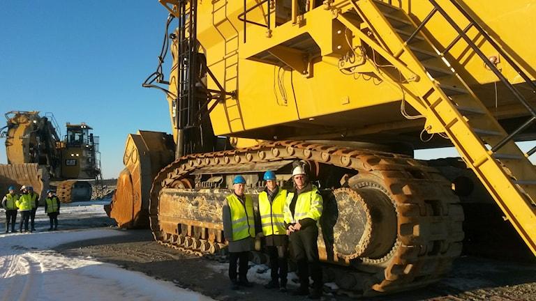 Ministrarna visades runt på gruvområdet. Foto: Northland.