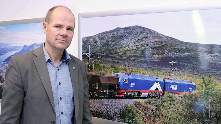 LKAB kan komma att drabbas av strejk i Narvik. Logistikchef Anders Björnström. Foto: Alexander Linder/ Sveriges Radio.