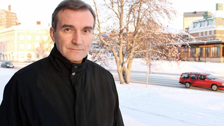 Besparingar väntar skolan i Kiruna. Roger Suup (S) är nämndsordförande. Foto: Alexander Linder/ Sveriges Radio.