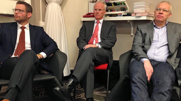 Konkursförvaltaren Hans Andersson, Olav Fjell, styrelseordförande i Northland och Johan Balck, Northlands vd. Foto: Nils Eklund/Sveriges Radio.