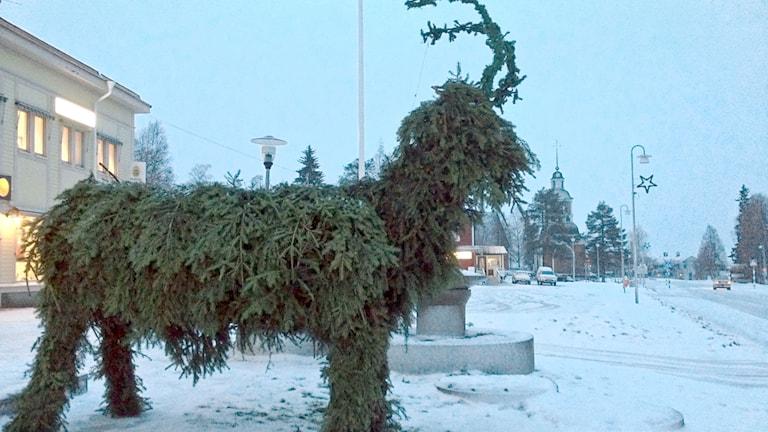 Julbocken i Övertorneå. Foto: Göran Lahti.