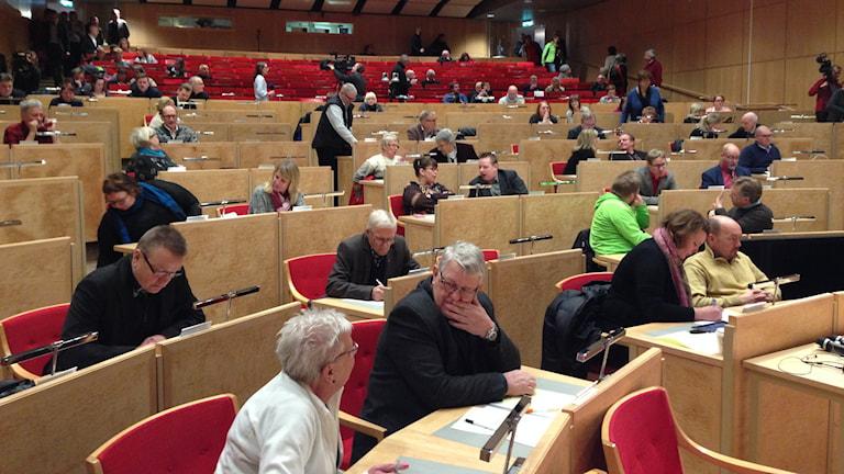 Lanstingets extra fullmäktige den 29 december 2014. Foto: Per Vallgårda/Sveriges Radio.