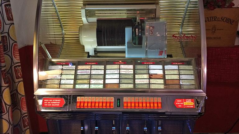 Jukebox på retrokaféet i Boden. Foto: Ann-Christine Wallner-Hoppe/Sveriges Radio.