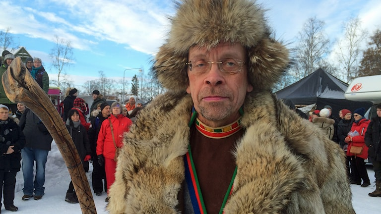 Stefan Mikaelsson, ordförande i Sametinget på Jokkmokks marknad. Foto: Lena Callne/Sveriges Radio.