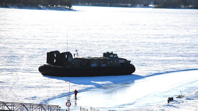 Svävaren i södra hamnen i Luleå Foto: Hjalmar Lindberg/Sveriges Radio