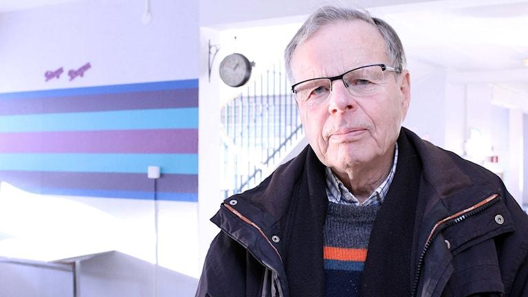 Bengt Anderman bor i Malmberget och påverkas av gruvverksamheten. Foto: Alexander Linder/ Sveriges Radio.